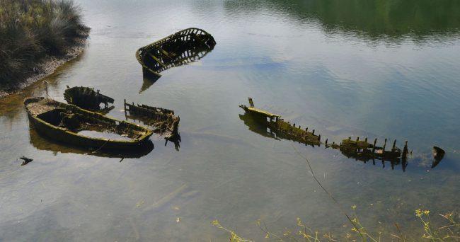 18-07-36-03 Abandoned boats