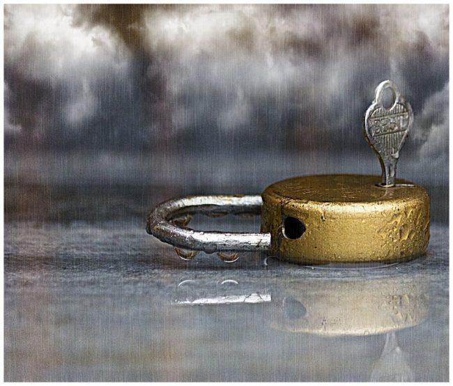 KCC.Lock and Key in the Rain