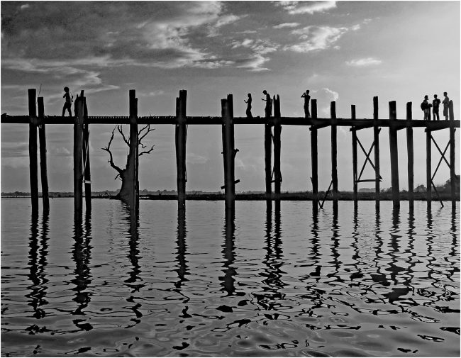 BU102 U-bein bridge - 1 mile long